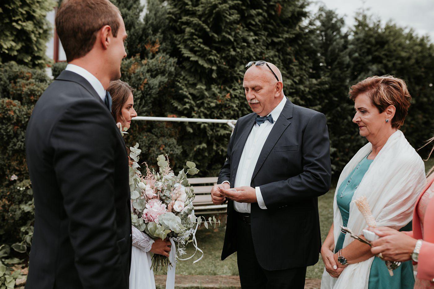 Julia & Piotr - kameralne wesele na Ranczo w Dolinie 25