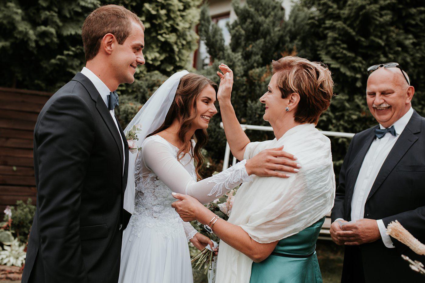 Julia & Piotr - kameralne wesele na Ranczo w Dolinie 27