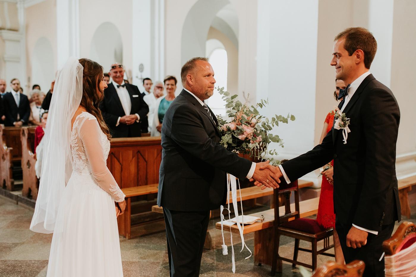 Julia & Piotr - kameralne wesele na Ranczo w Dolinie 32