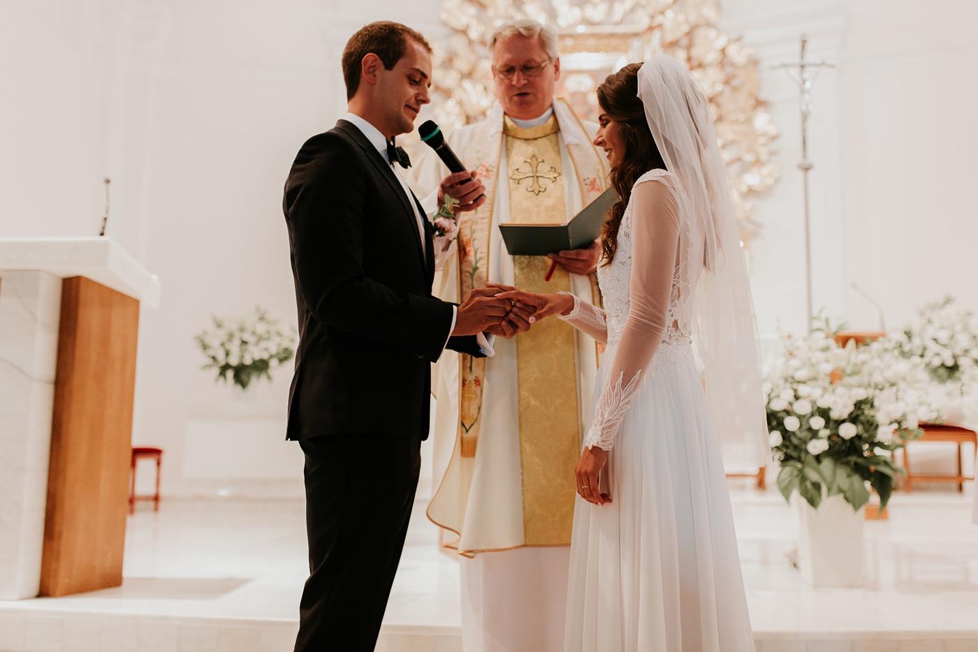 Julia & Piotr - kameralne wesele na Ranczo w Dolinie 37