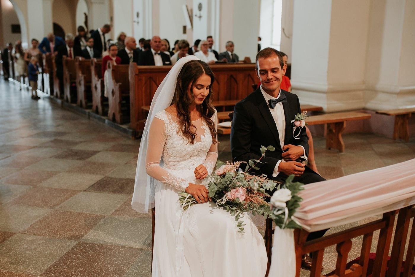 Julia & Piotr - kameralne wesele na Ranczo w Dolinie 43