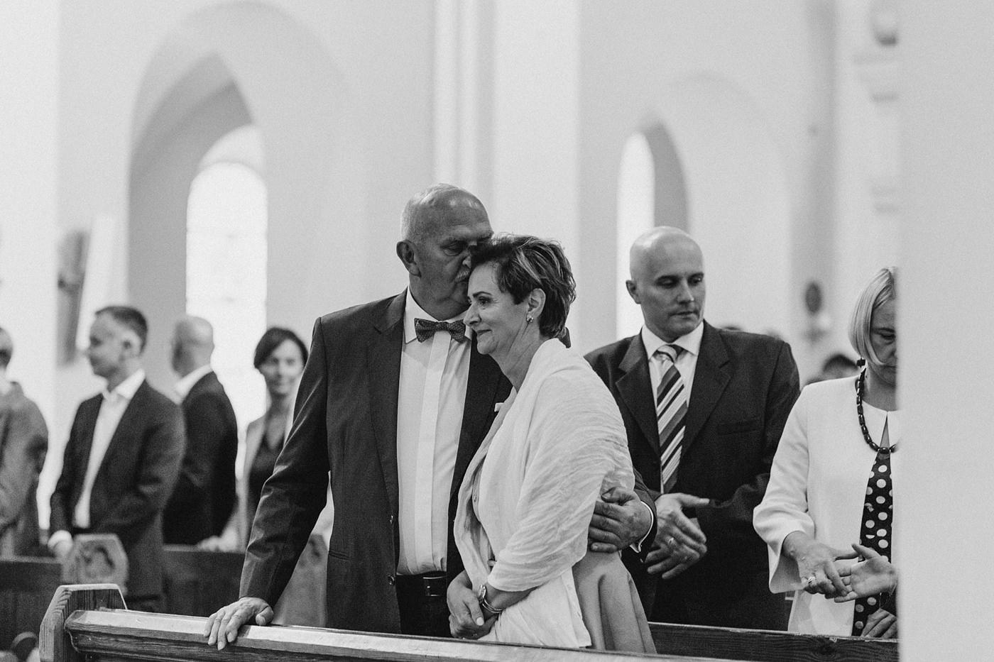 Julia & Piotr - kameralne wesele na Ranczo w Dolinie 44