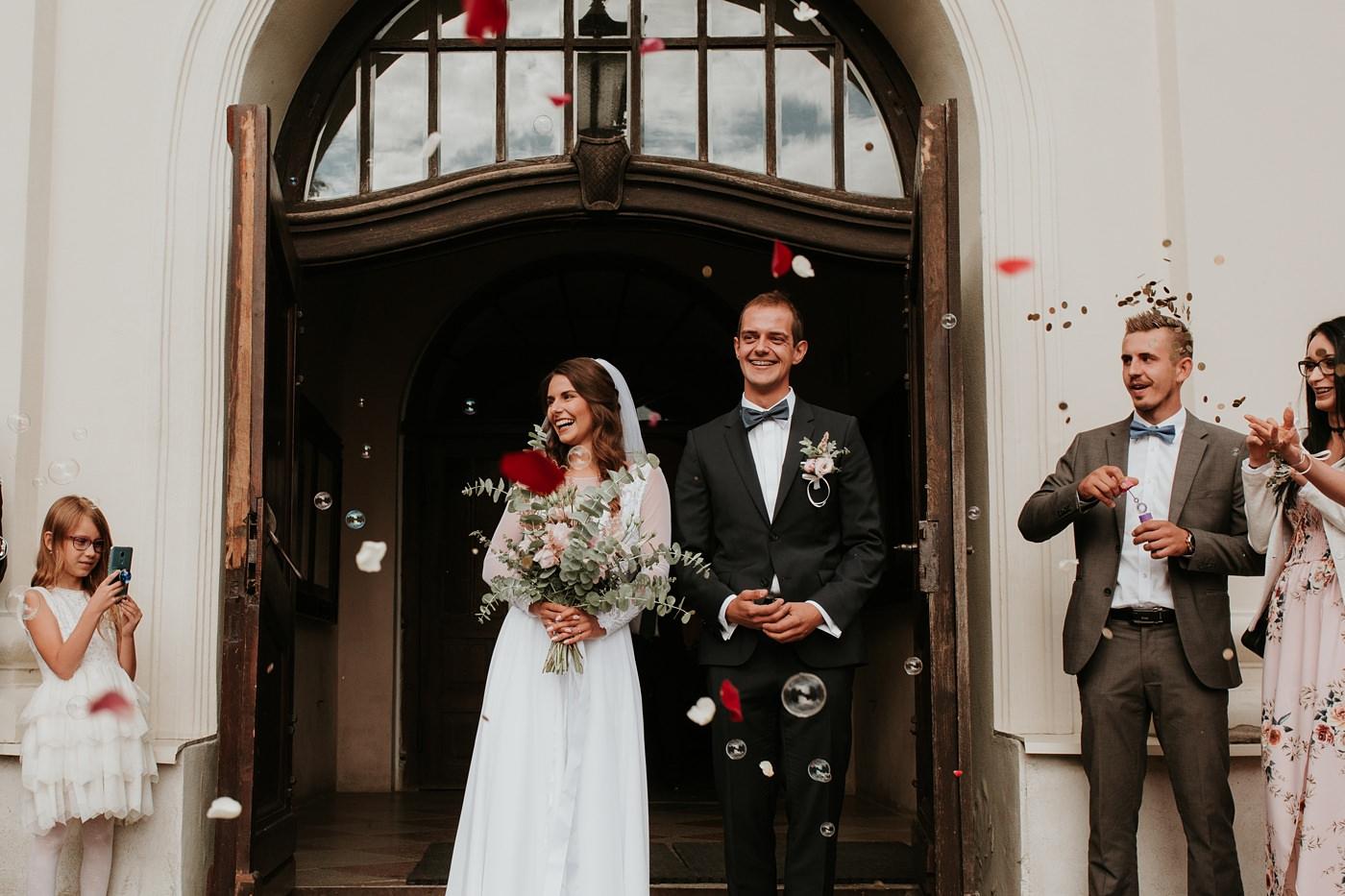 Julia & Piotr - kameralne wesele na Ranczo w Dolinie 48