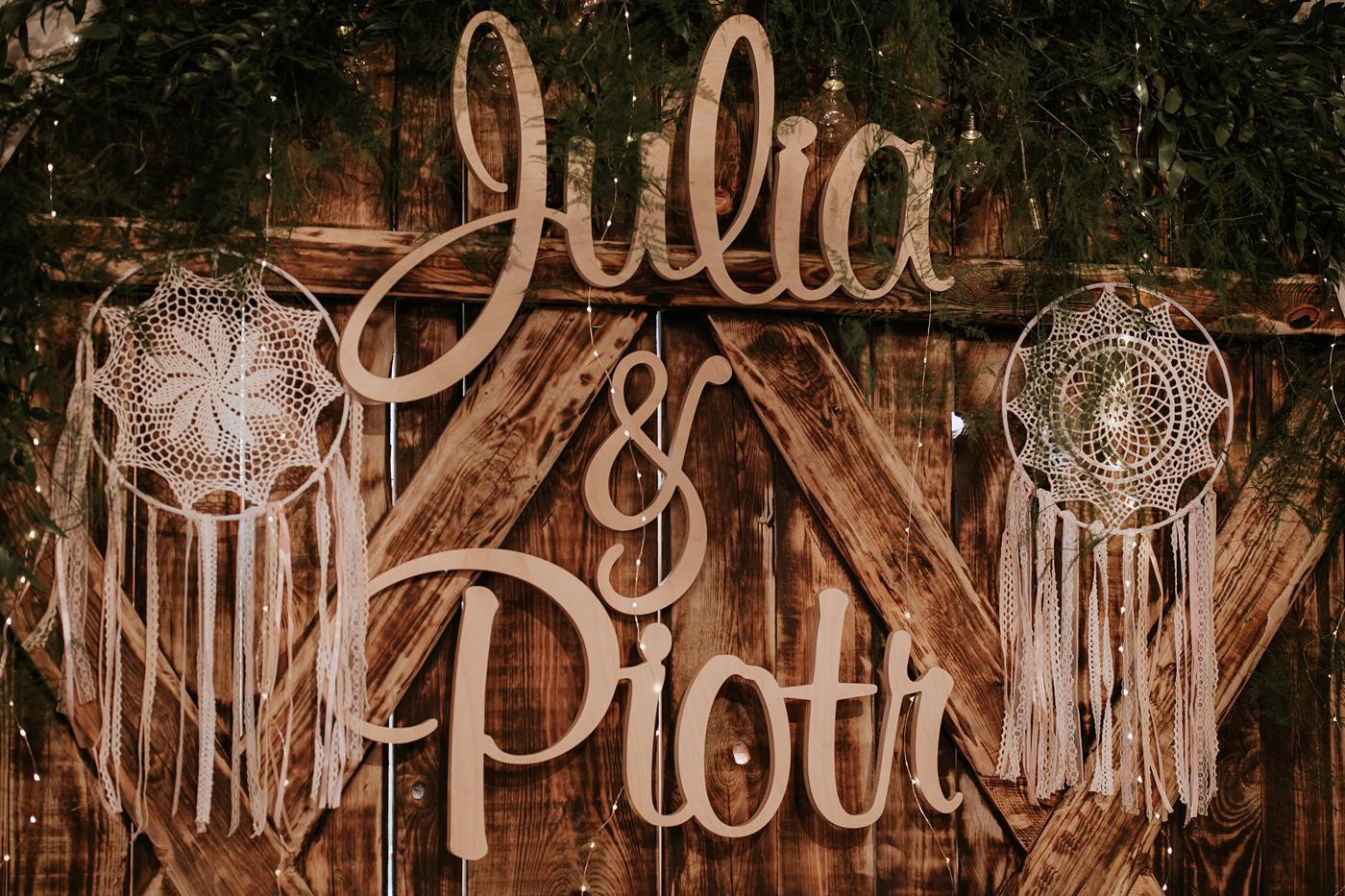 Julia & Piotr - kameralne wesele na Ranczo w Dolinie 52