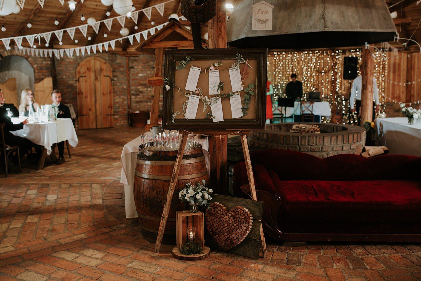 Julia & Piotr - kameralne wesele na Ranczo w Dolinie 56