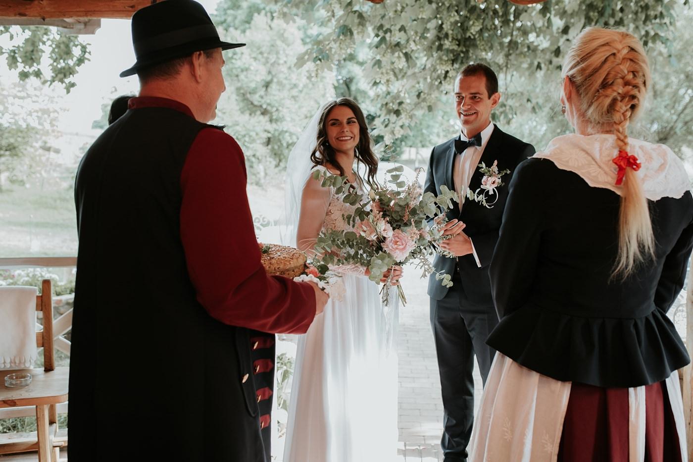 Julia & Piotr - kameralne wesele na Ranczo w Dolinie 64