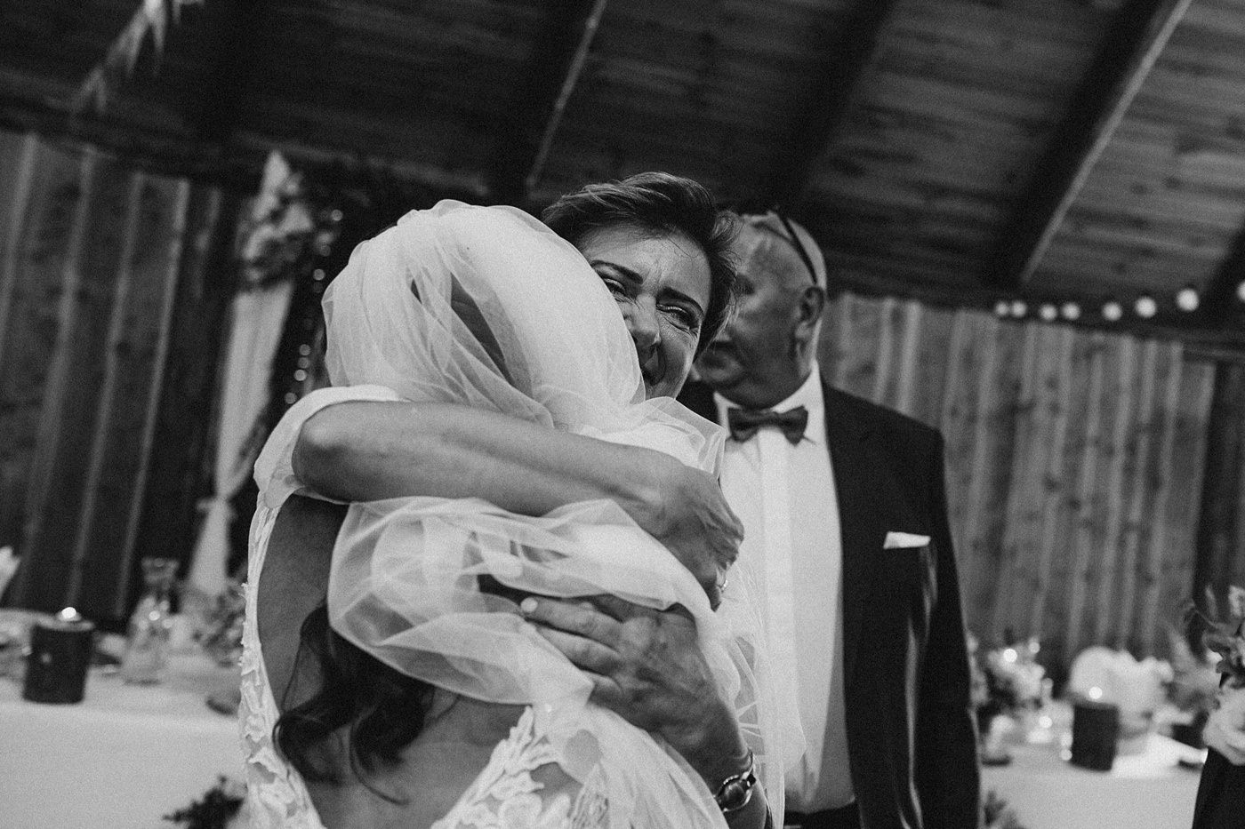 Julia & Piotr - kameralne wesele na Ranczo w Dolinie 68