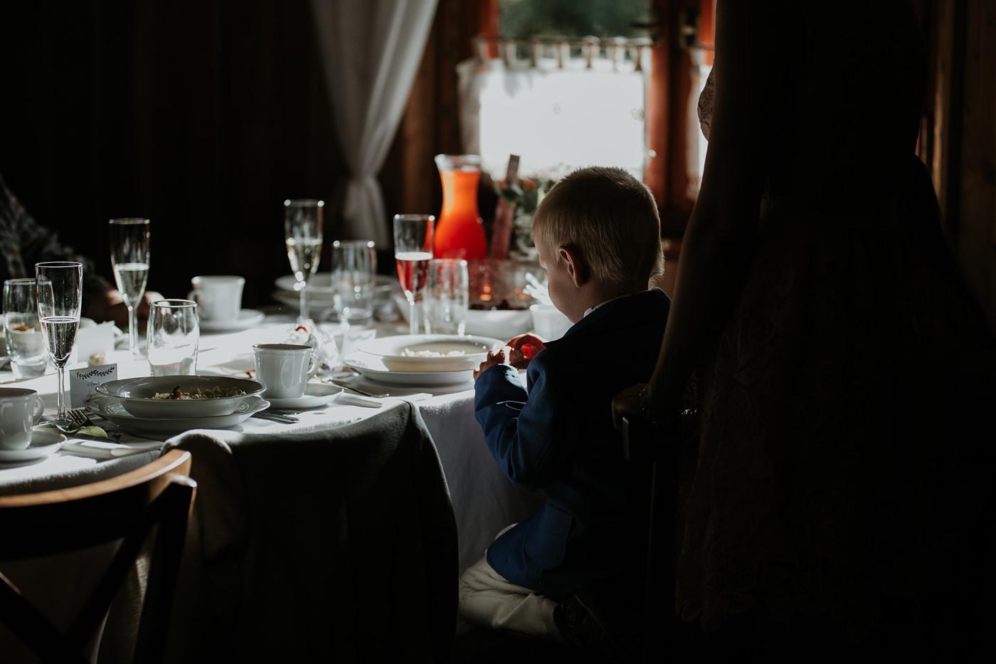 Julia & Piotr - kameralne wesele na Ranczo w Dolinie 79