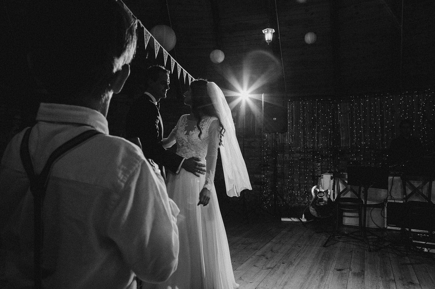 Julia & Piotr - kameralne wesele na Ranczo w Dolinie 81