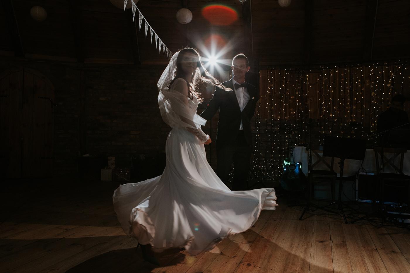 Julia & Piotr - kameralne wesele na Ranczo w Dolinie 80