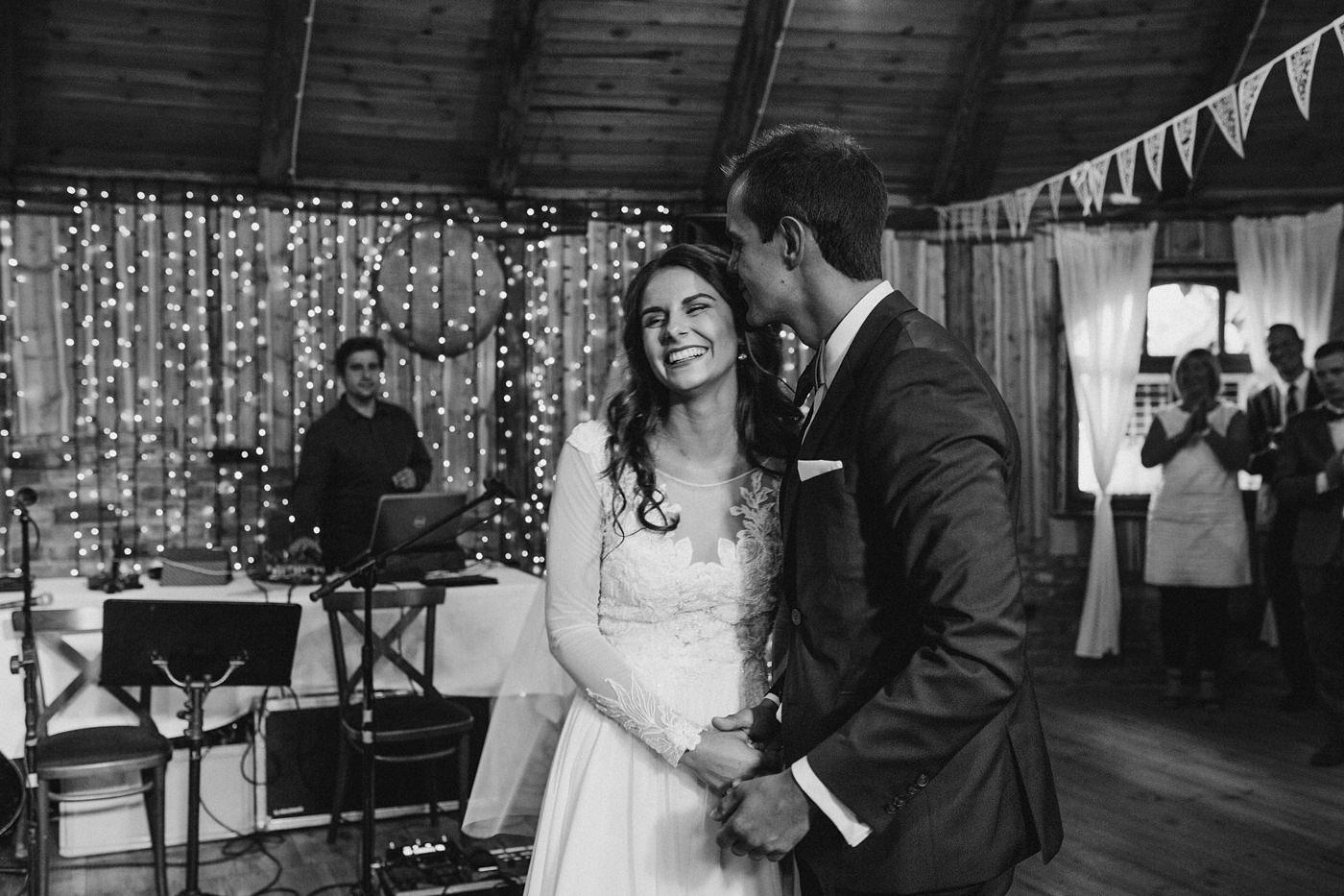 Julia & Piotr - kameralne wesele na Ranczo w Dolinie 84