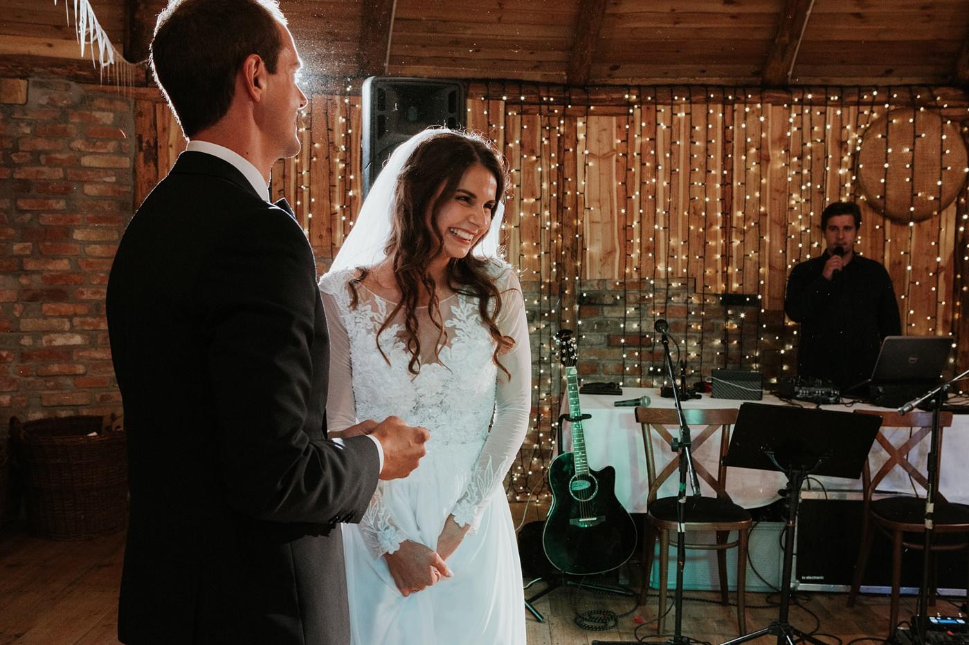 Julia & Piotr - kameralne wesele na Ranczo w Dolinie 86