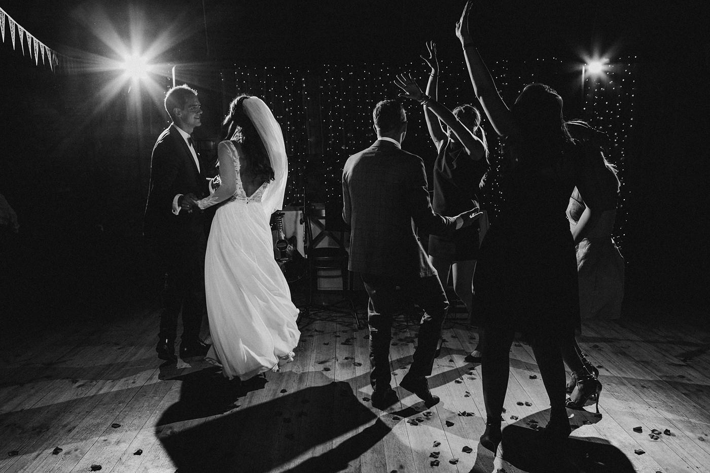 Julia & Piotr - kameralne wesele na Ranczo w Dolinie 92