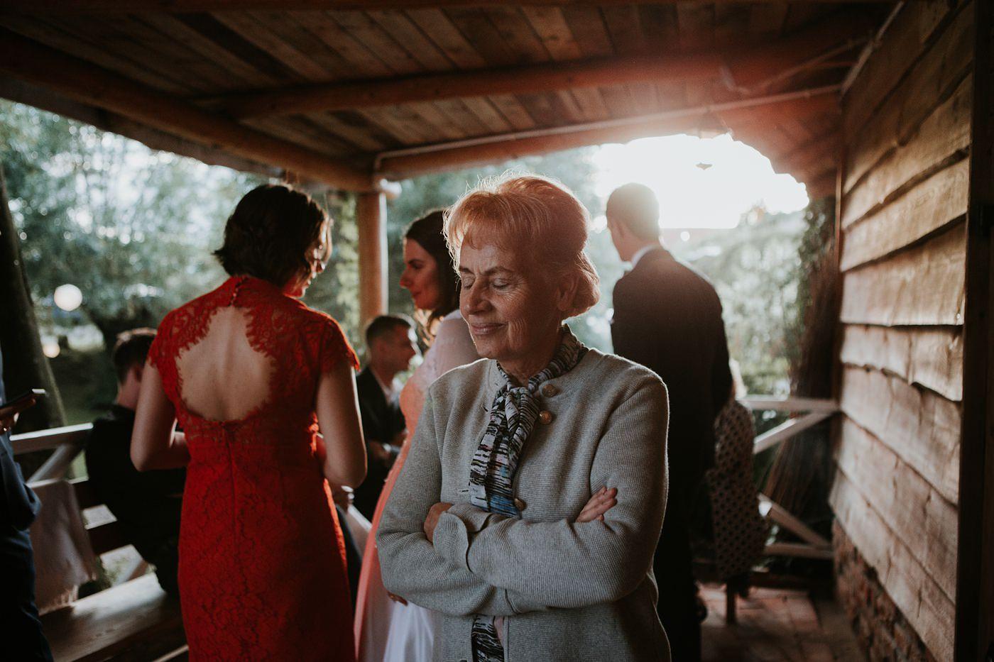 Julia & Piotr - kameralne wesele na Ranczo w Dolinie 95