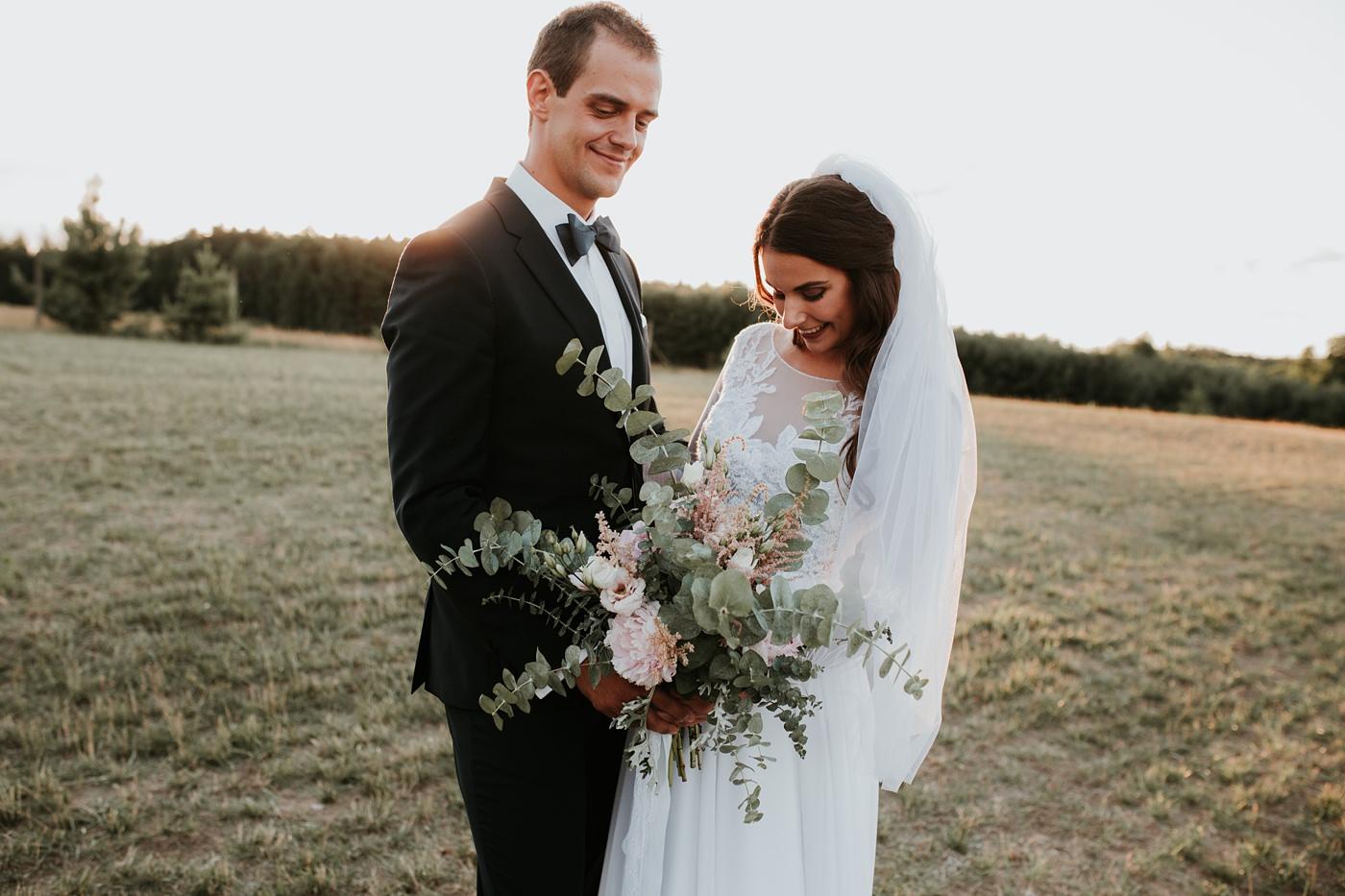 Julia & Piotr - kameralne wesele na Ranczo w Dolinie 98