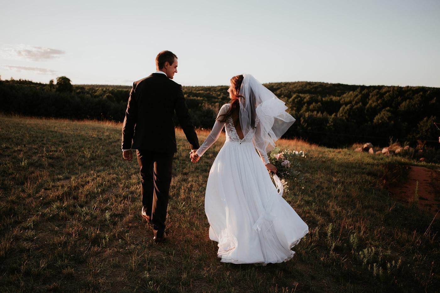 Julia & Piotr - kameralne wesele na Ranczo w Dolinie 104