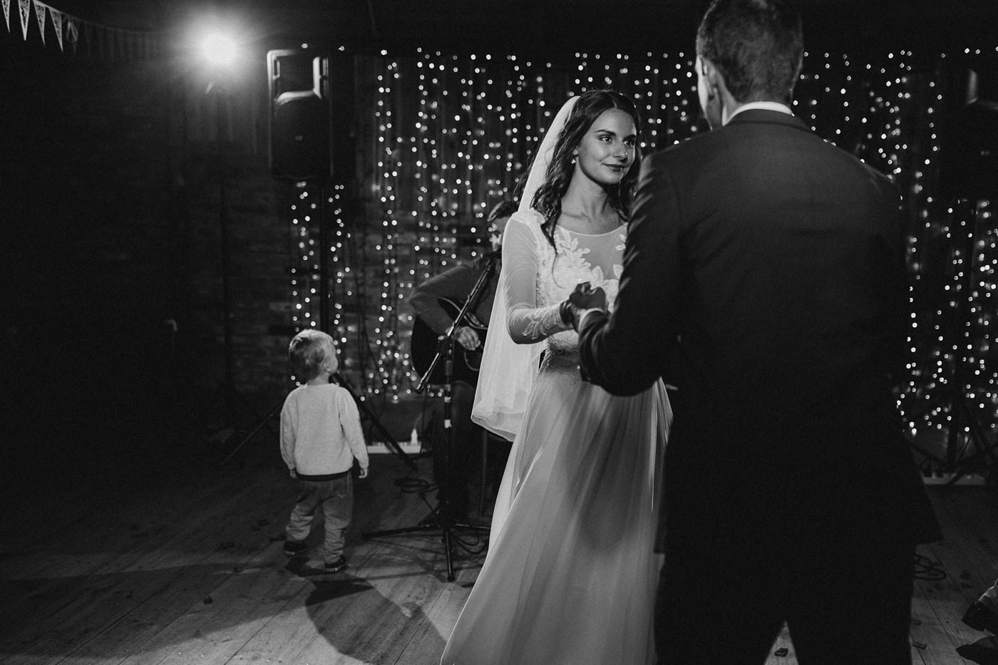 Julia & Piotr - kameralne wesele na Ranczo w Dolinie 113