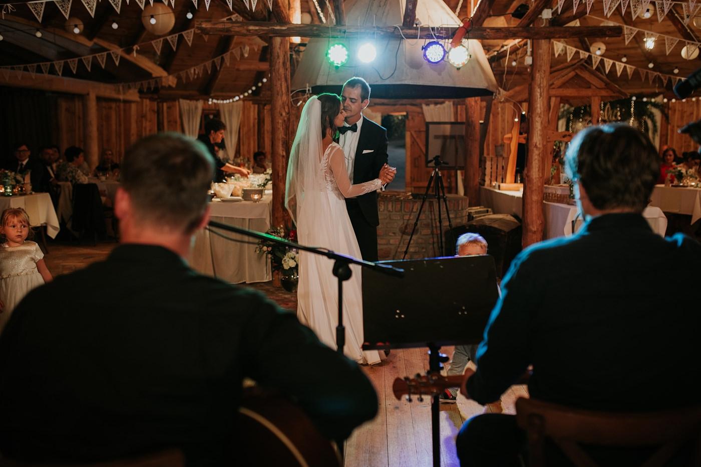 Julia & Piotr - kameralne wesele na Ranczo w Dolinie 115