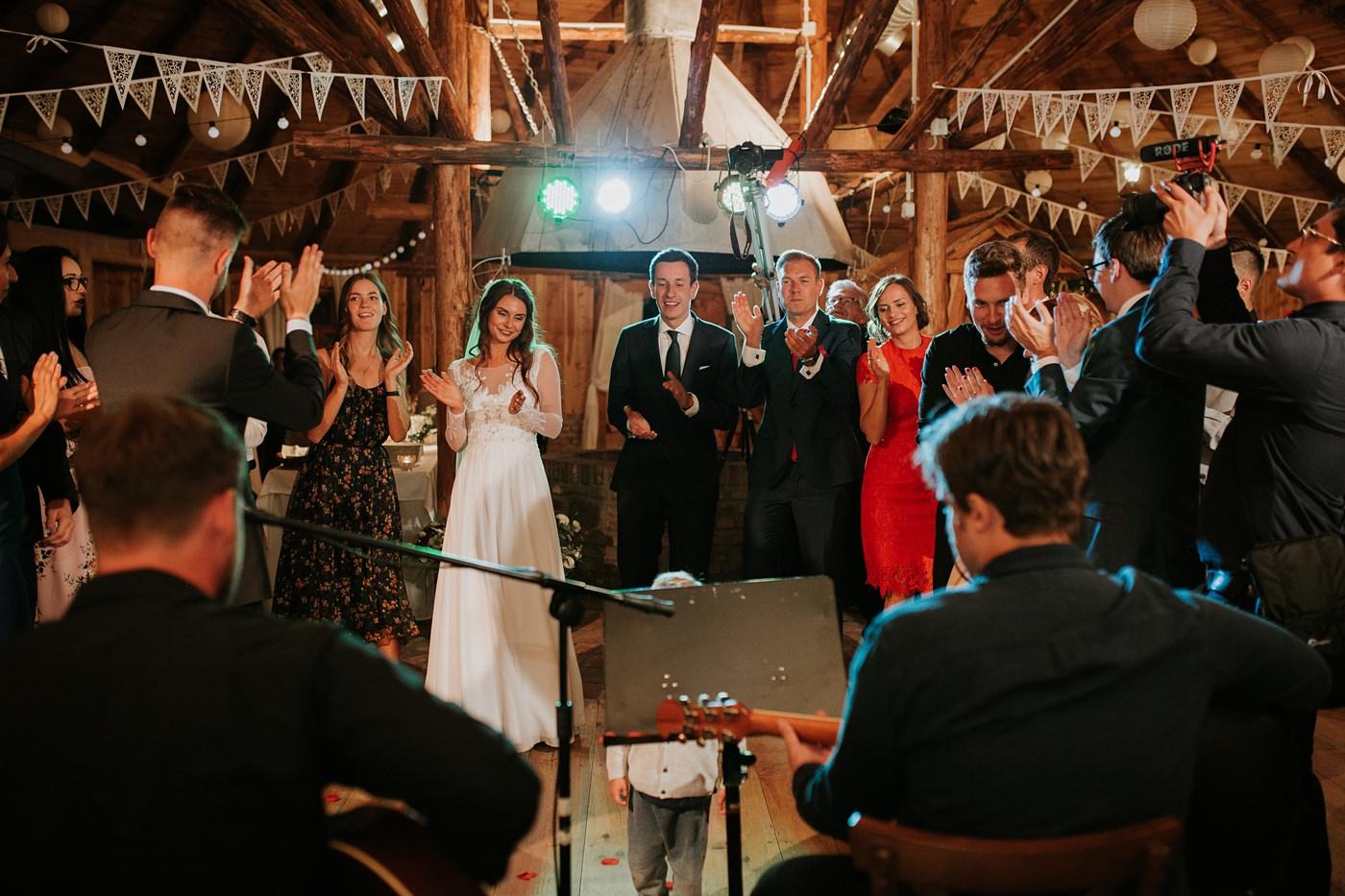 Julia & Piotr - kameralne wesele na Ranczo w Dolinie 116