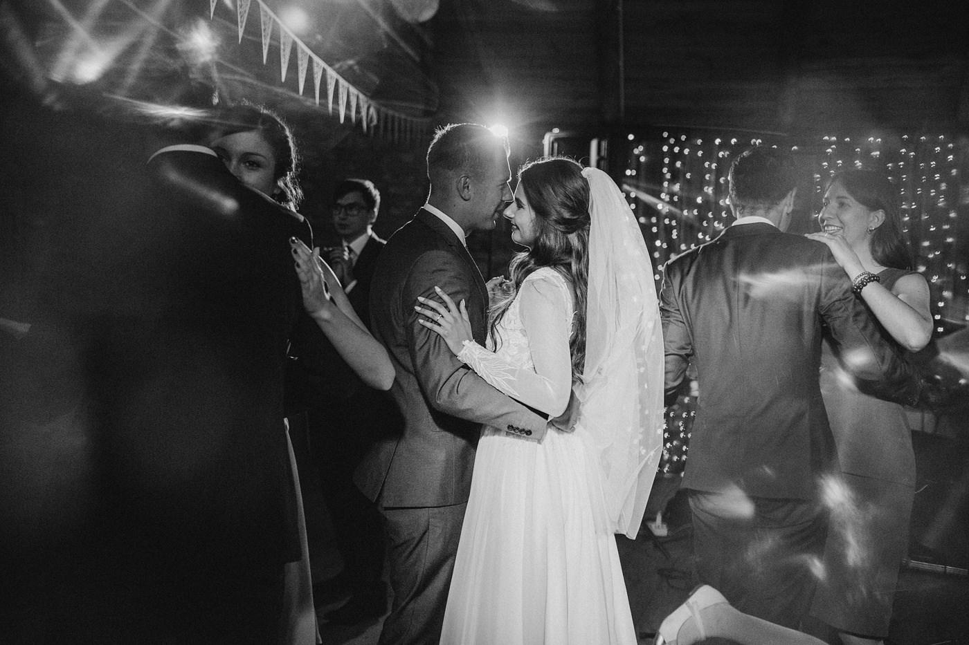 Julia & Piotr - kameralne wesele na Ranczo w Dolinie 117