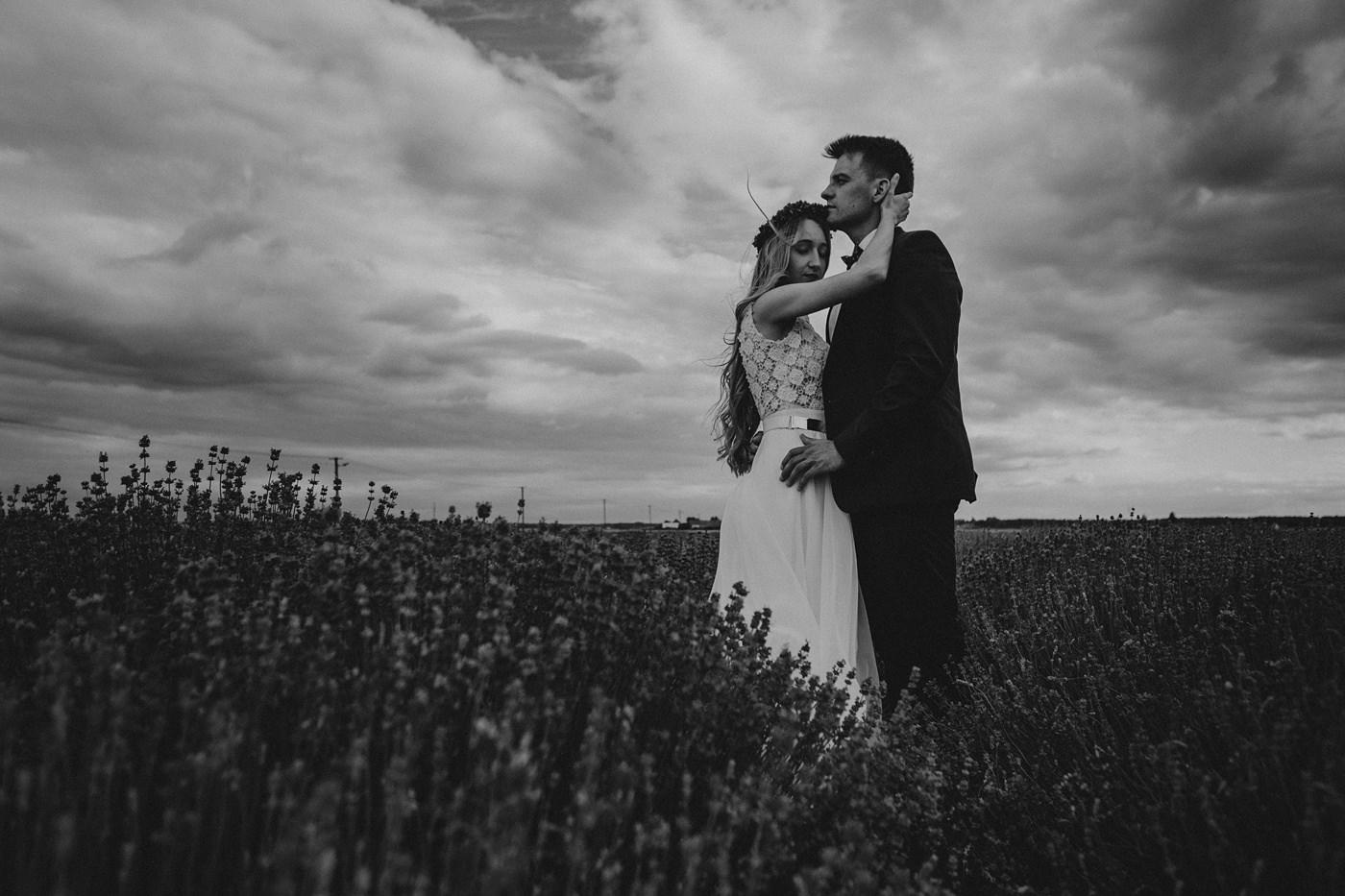 Anna i Marcin - Sesja Ślubna na Polu Lawendy 26