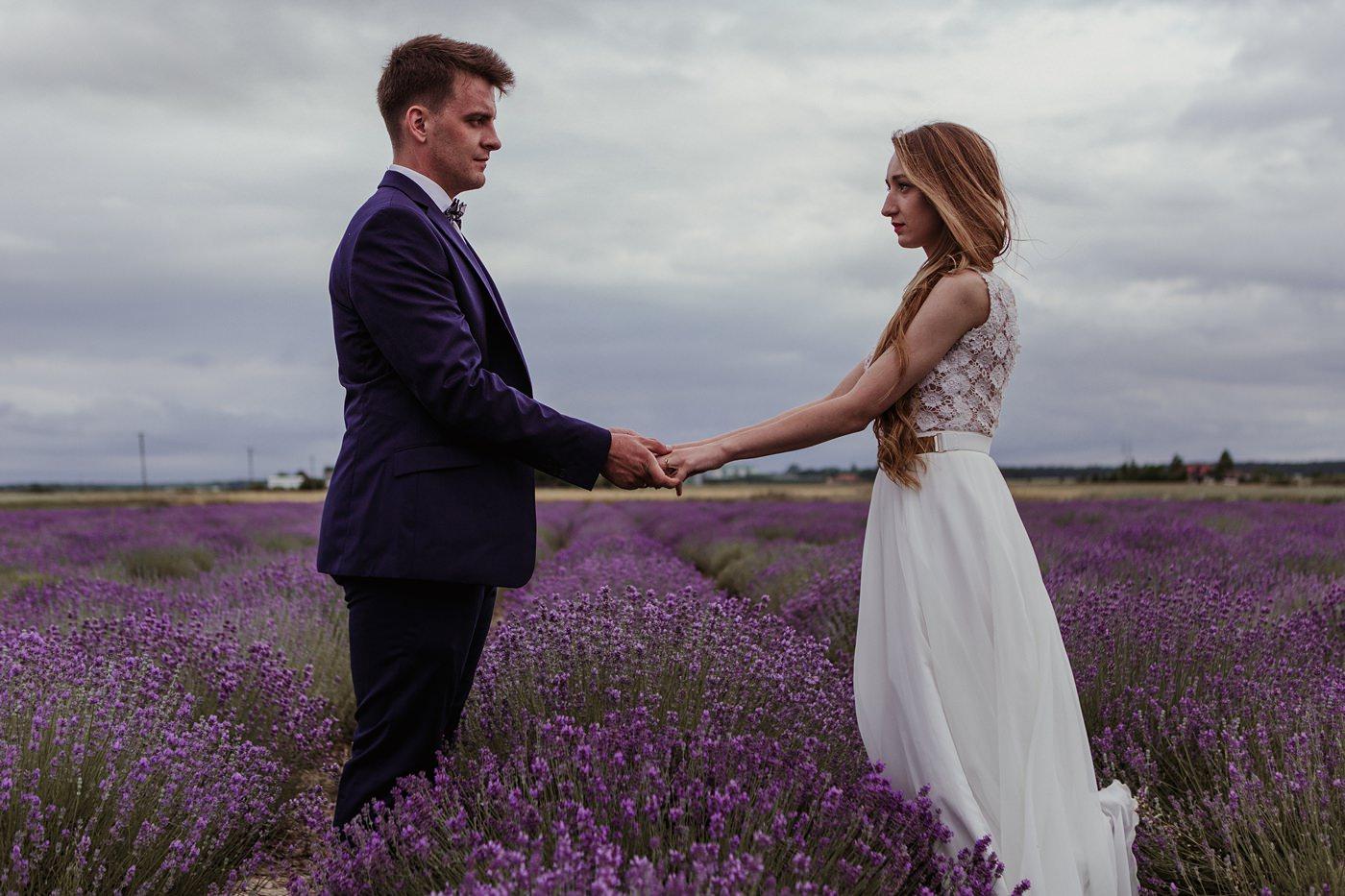 Anna i Marcin - Sesja Ślubna na Polu Lawendy 42