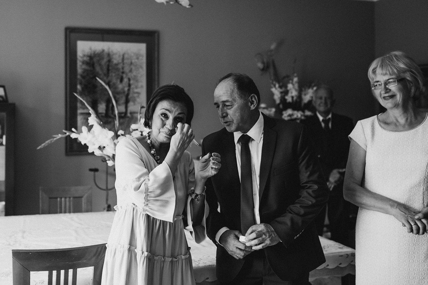 Dominika & Aleksander - Rustykalne wesele w stodole - Baborówko 31