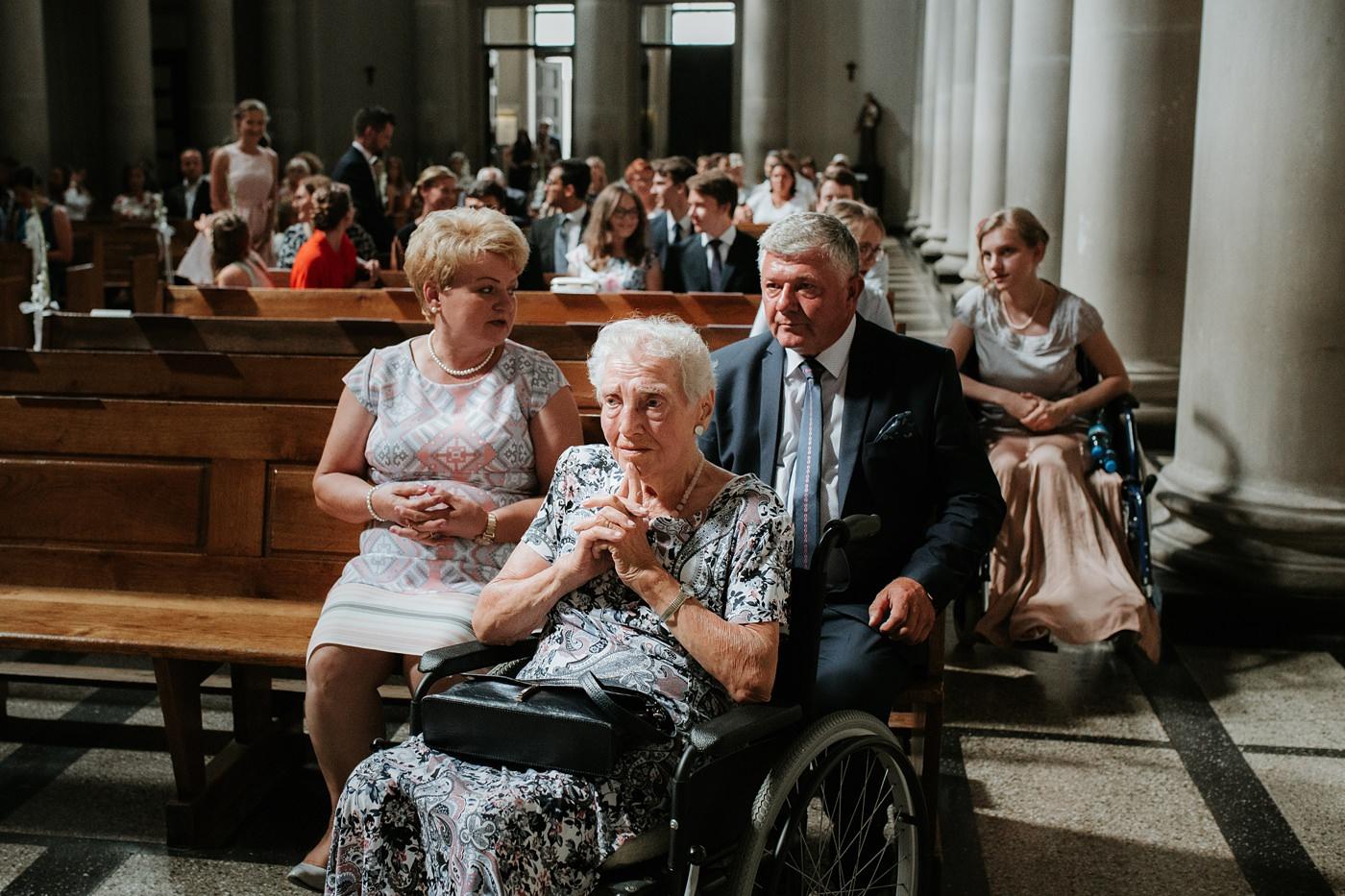 Dominika & Aleksander - Rustykalne wesele w stodole - Baborówko 40