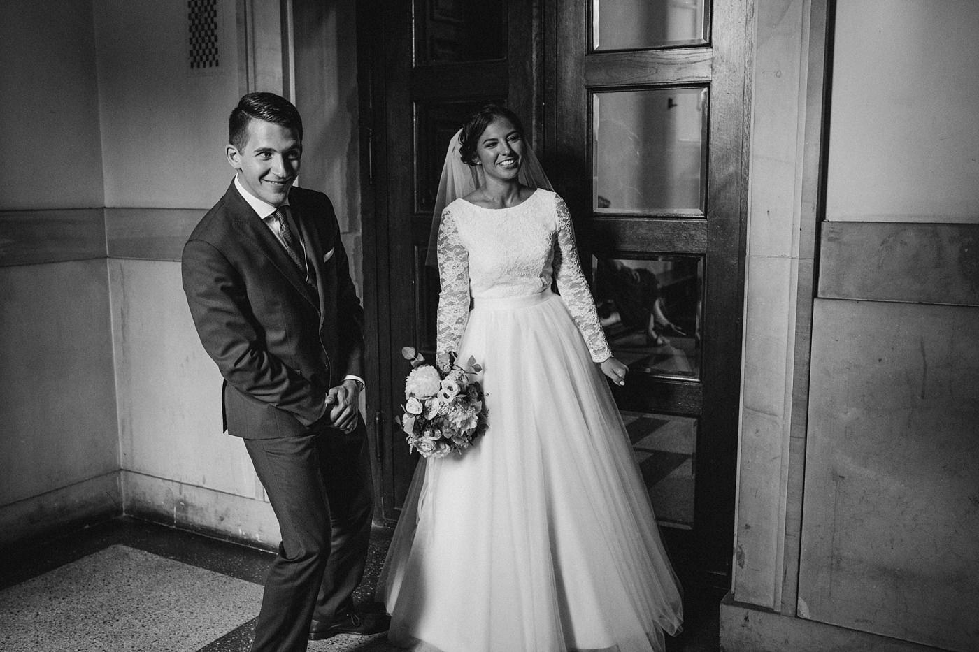 Dominika & Aleksander - Rustykalne wesele w stodole - Baborówko 43