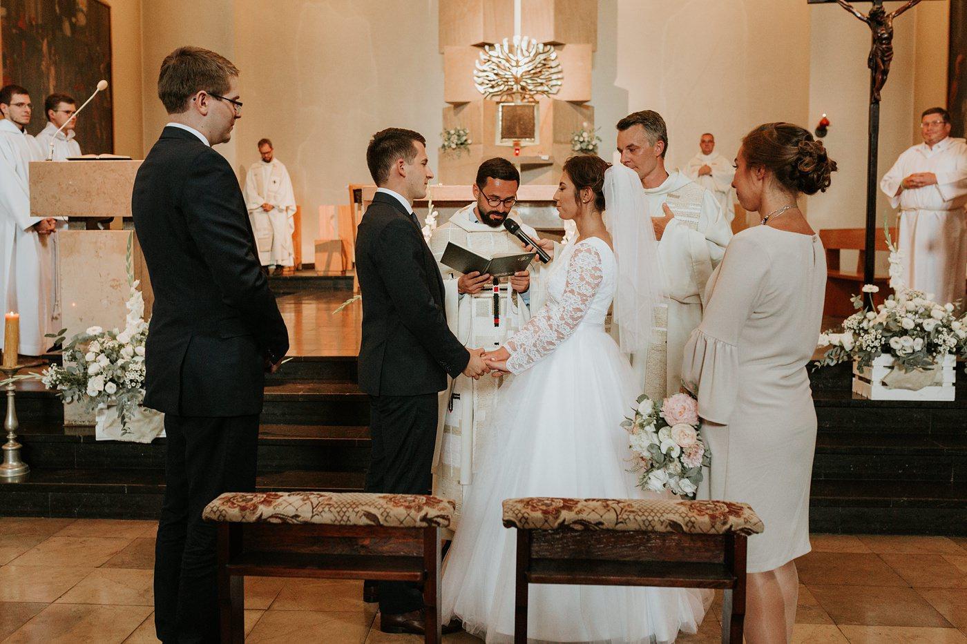 Dominika & Aleksander - Rustykalne wesele w stodole - Baborówko 53