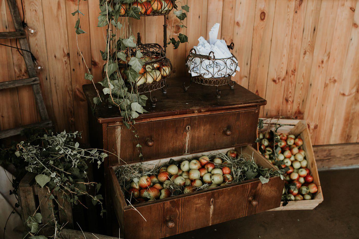 Dominika & Aleksander - Rustykalne wesele w stodole - Baborówko 73