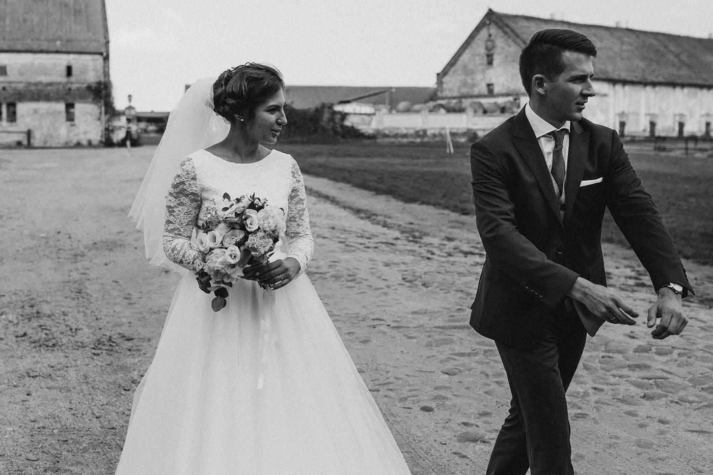 Dominika & Aleksander - Rustykalne wesele w stodole - Baborówko 77