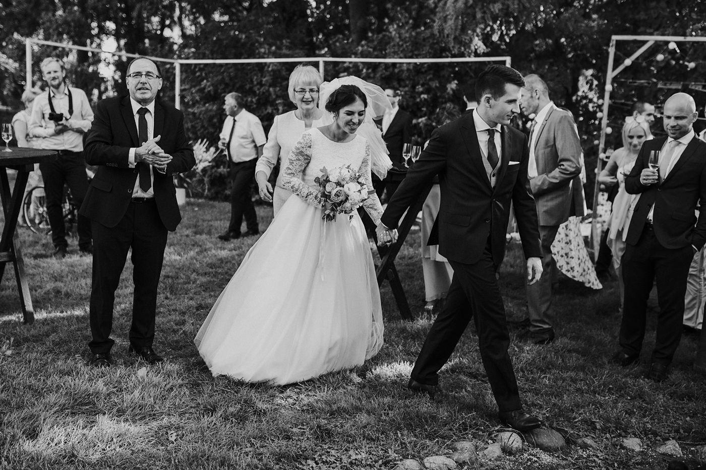 Dominika & Aleksander - Rustykalne wesele w stodole - Baborówko 92