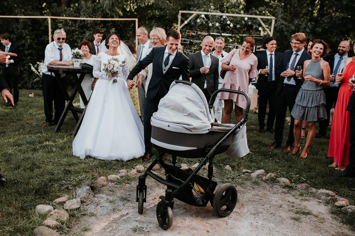 Dominika & Aleksander - Rustykalne wesele w stodole - Baborówko 93