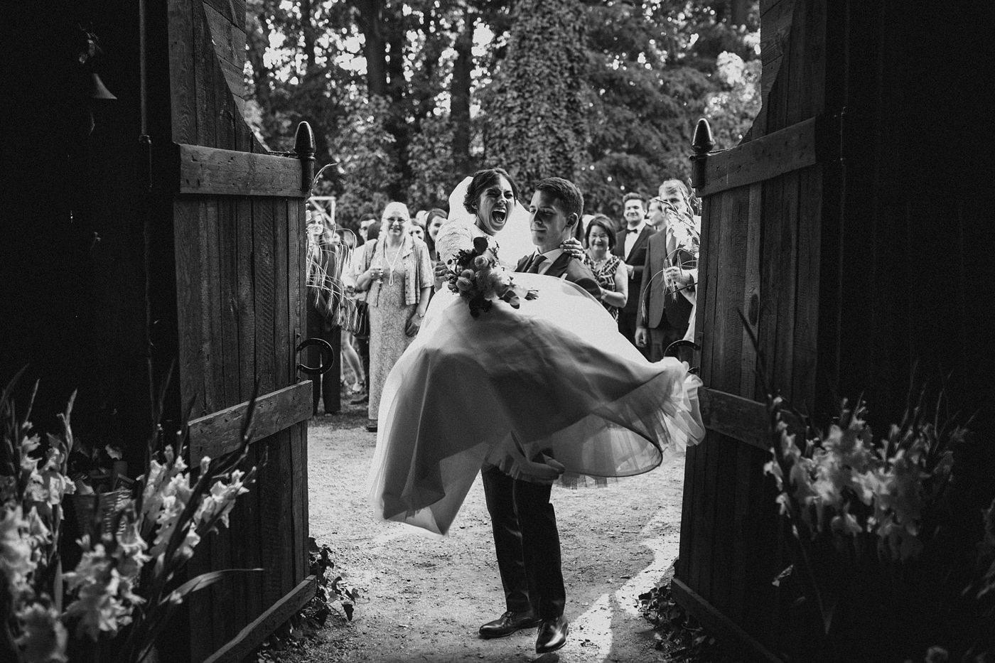 Dominika & Aleksander - Rustykalne wesele w stodole - Baborówko 97