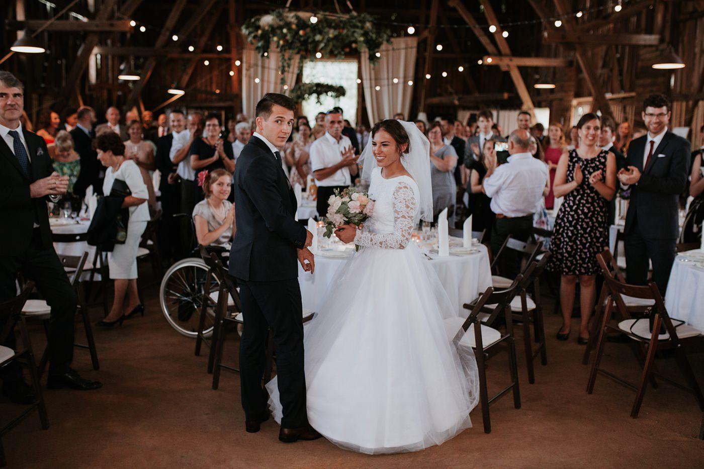 Dominika & Aleksander - Rustykalne wesele w stodole - Baborówko 100