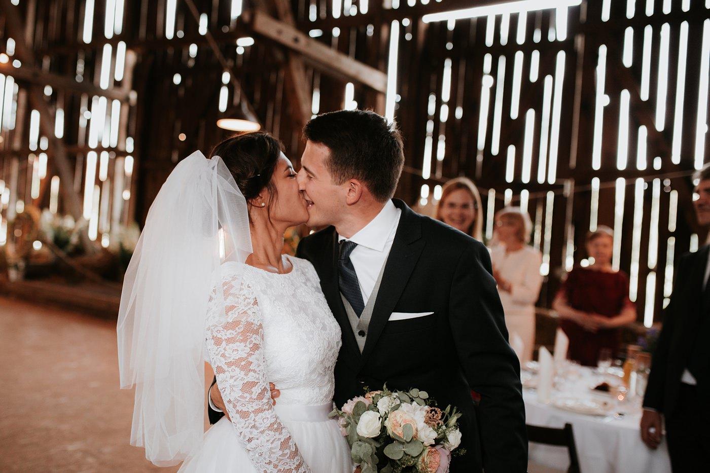Dominika & Aleksander - Rustykalne wesele w stodole - Baborówko 101
