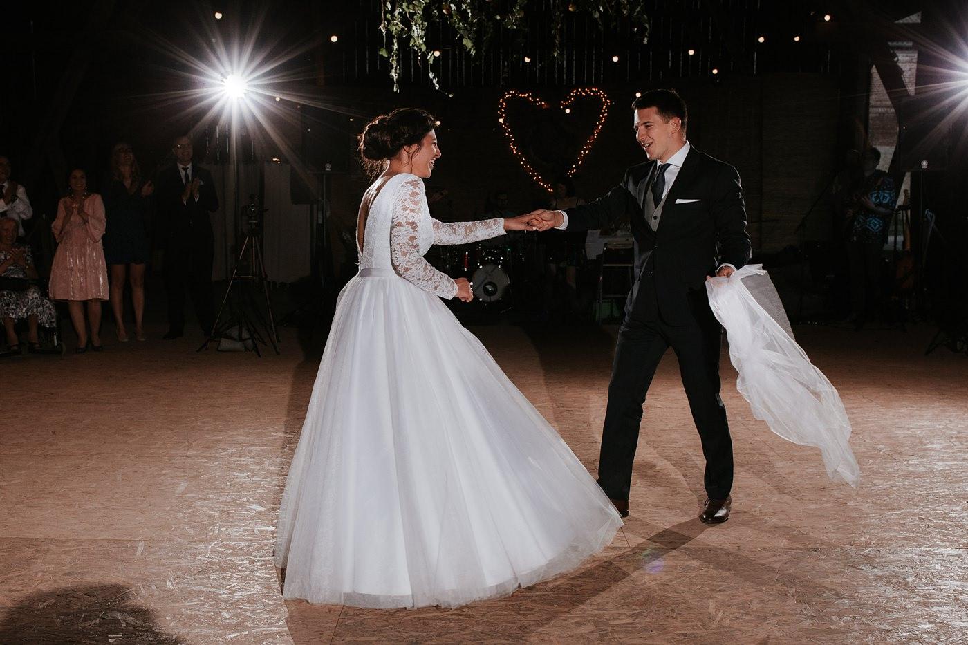 Dominika & Aleksander - Rustykalne wesele w stodole - Baborówko 108