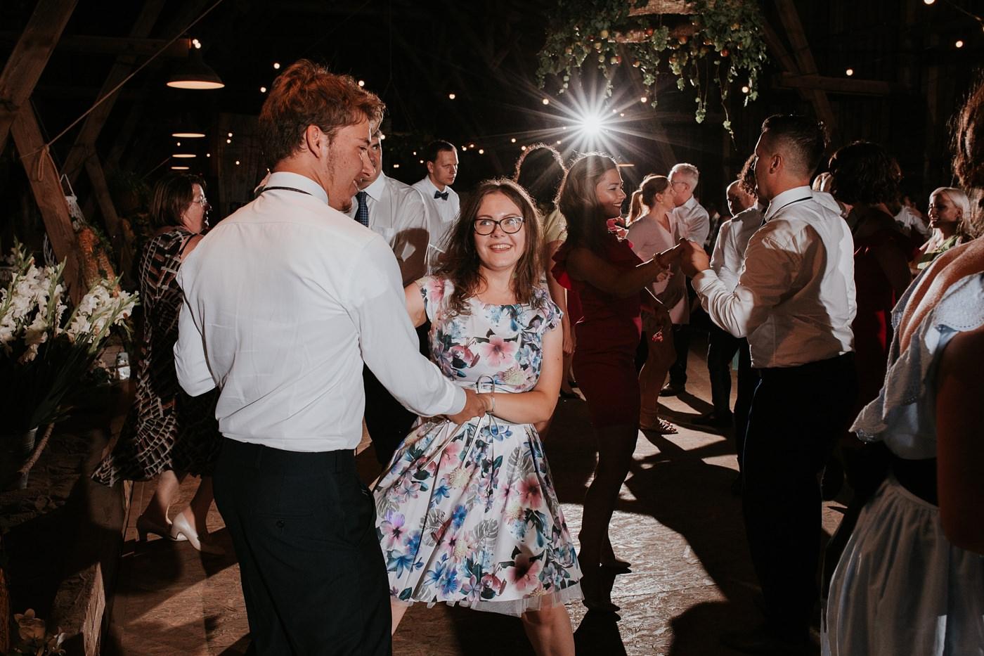 Dominika & Aleksander - Rustykalne wesele w stodole - Baborówko 113