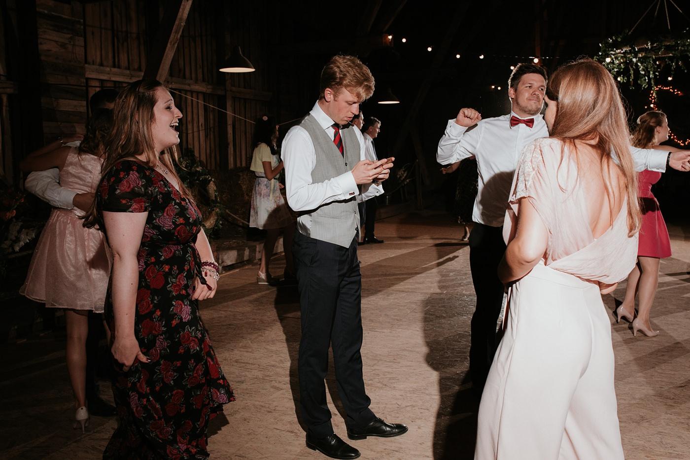 Dominika & Aleksander - Rustykalne wesele w stodole - Baborówko 116