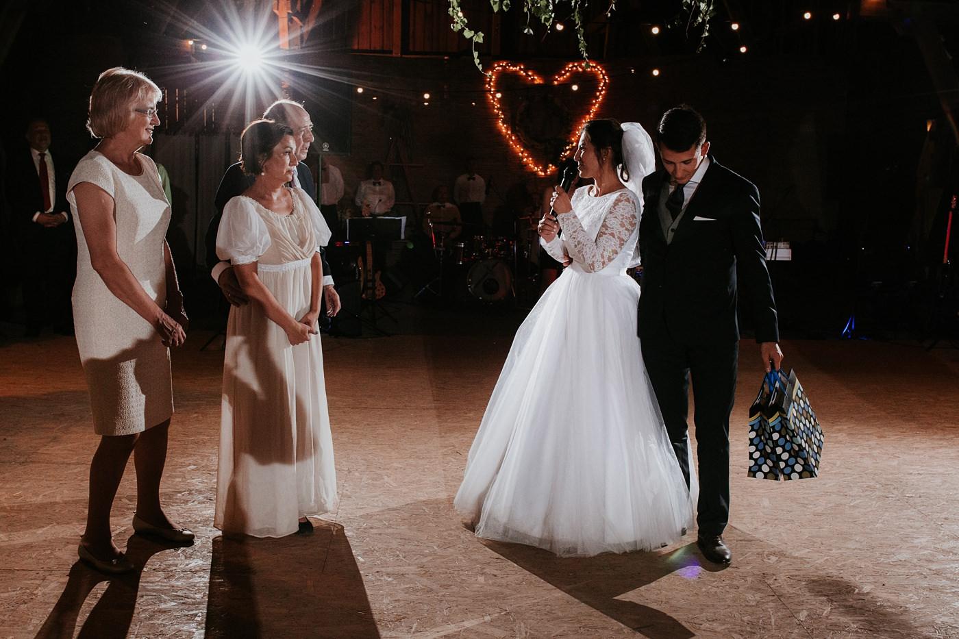 Dominika & Aleksander - Rustykalne wesele w stodole - Baborówko 120