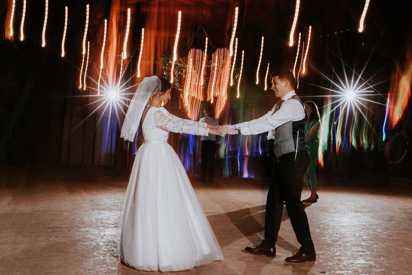 Dominika & Aleksander - Rustykalne wesele w stodole - Baborówko 122