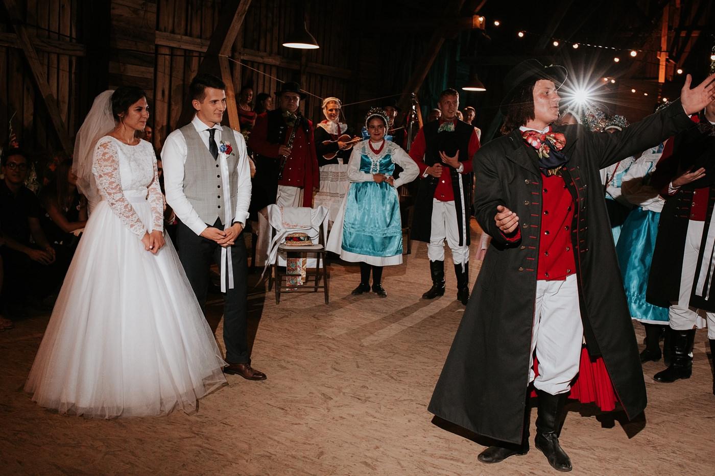 Dominika & Aleksander - Rustykalne wesele w stodole - Baborówko 129