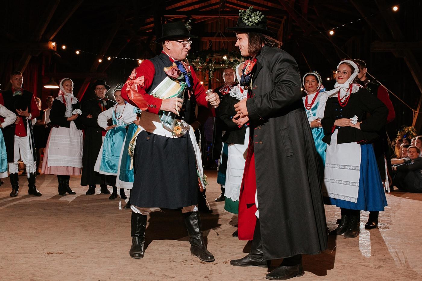 Dominika & Aleksander - Rustykalne wesele w stodole - Baborówko 131