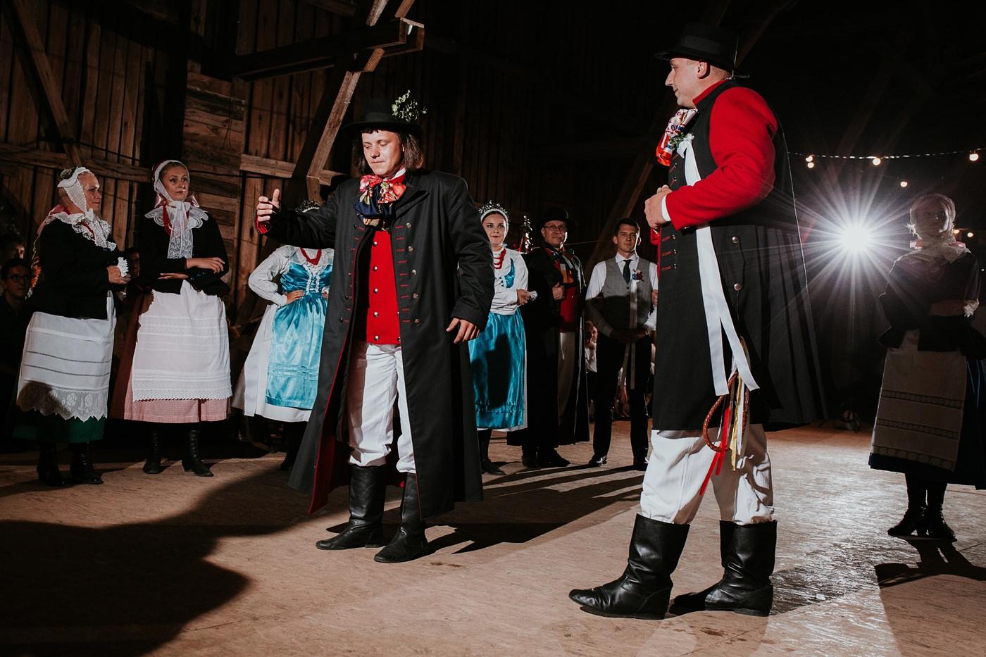 Dominika & Aleksander - Rustykalne wesele w stodole - Baborówko 134