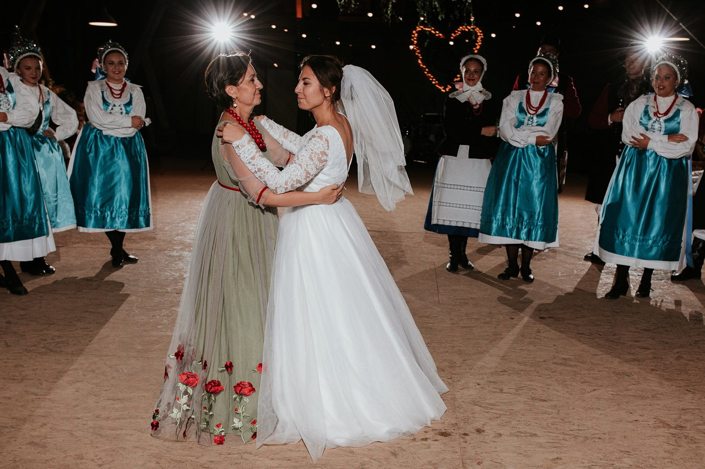 Dominika & Aleksander - Rustykalne wesele w stodole - Baborówko 135