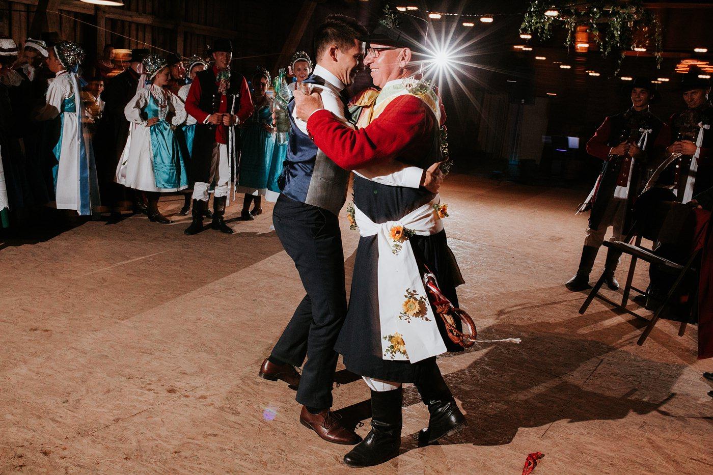 Dominika & Aleksander - Rustykalne wesele w stodole - Baborówko 136