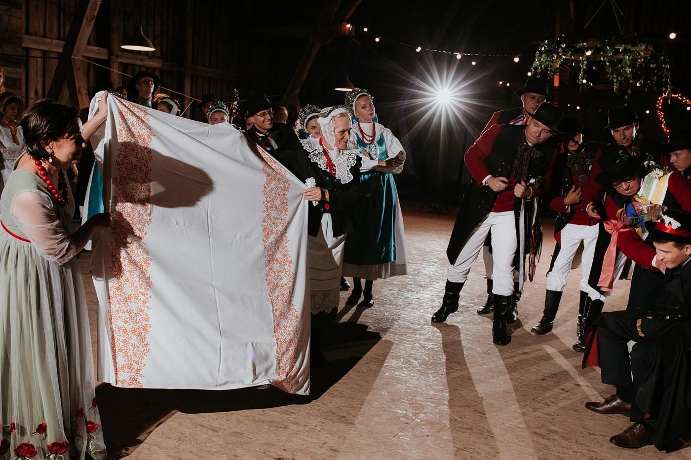 Dominika & Aleksander - Rustykalne wesele w stodole - Baborówko 138
