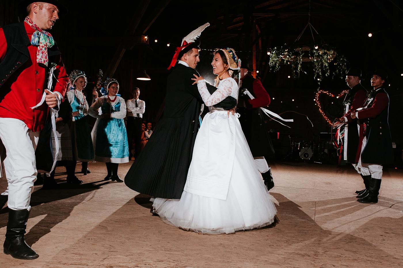 Dominika & Aleksander - Rustykalne wesele w stodole - Baborówko 141