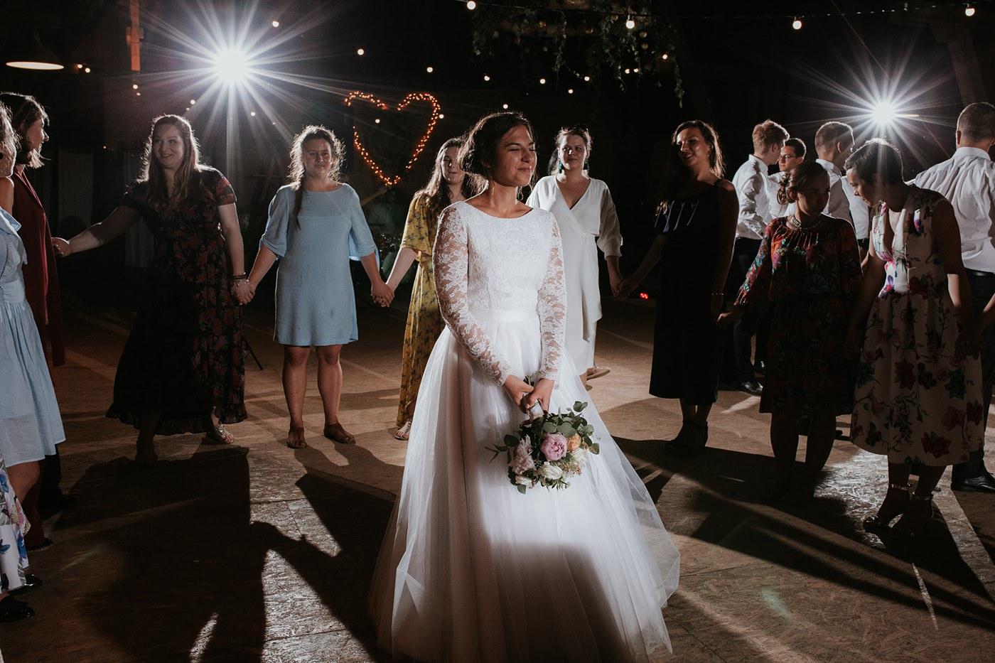 Dominika & Aleksander - Rustykalne wesele w stodole - Baborówko 145